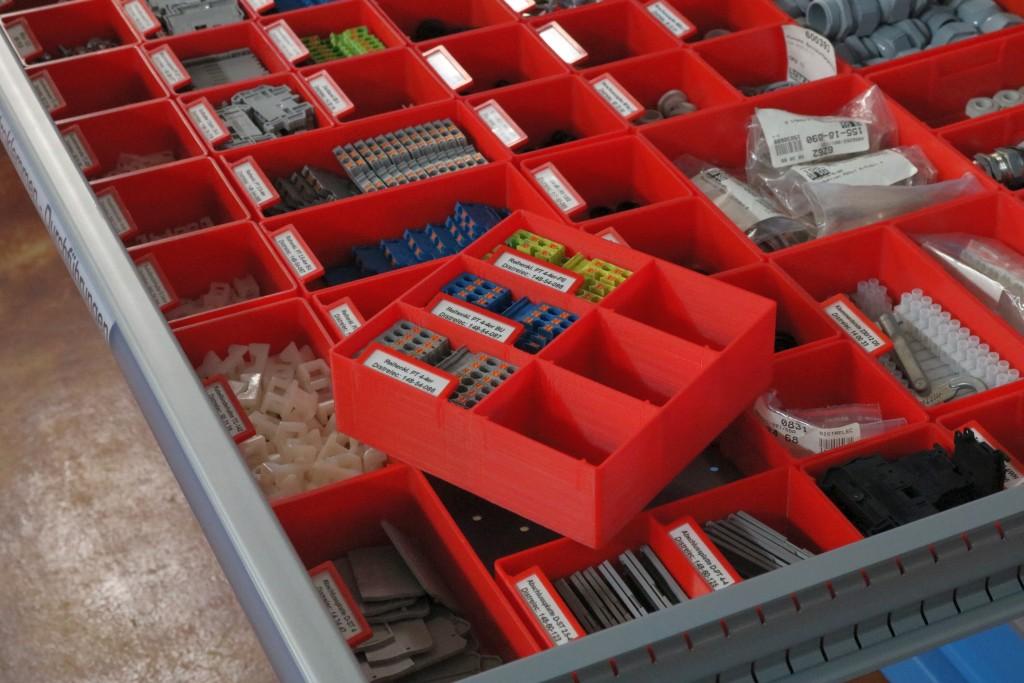 Einsätze für Normbauteile in Schubladenstock
