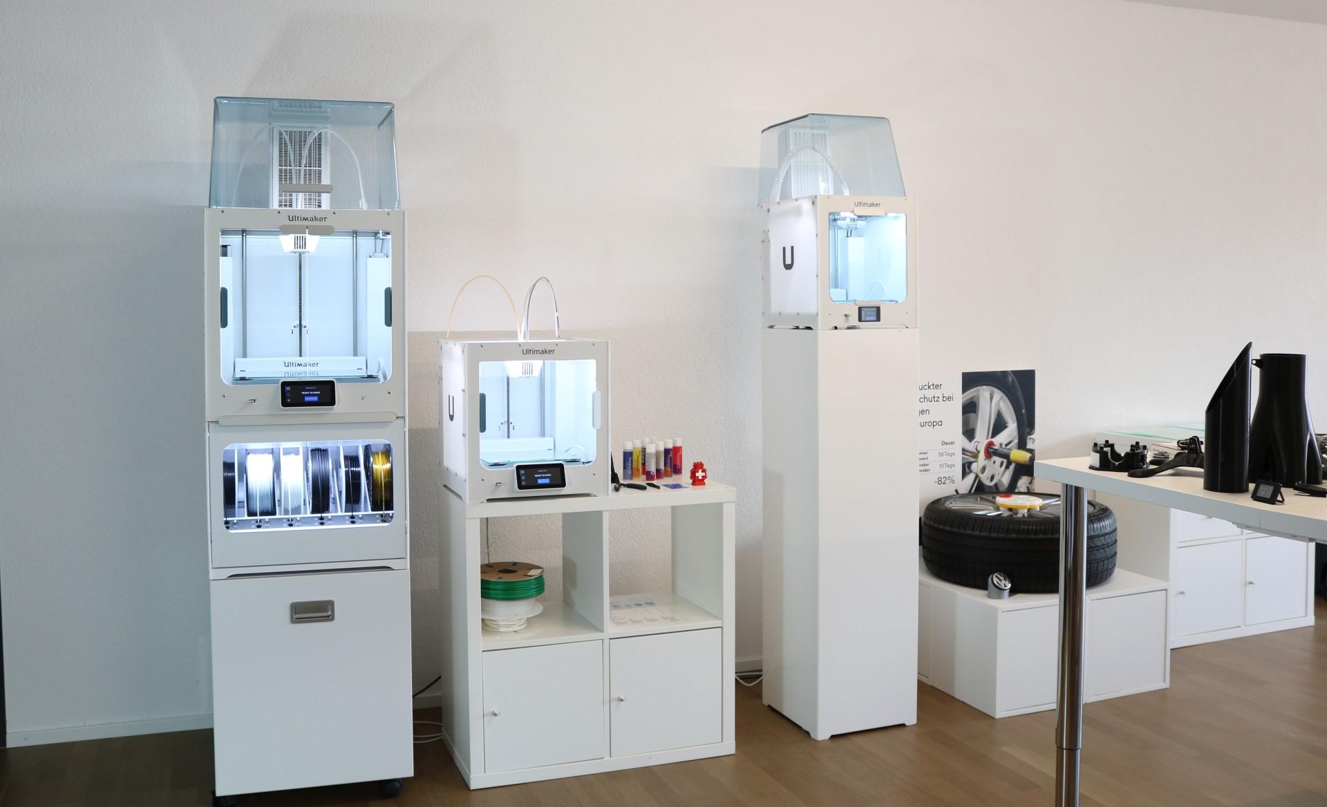 DIM3NSIONS Showroom
